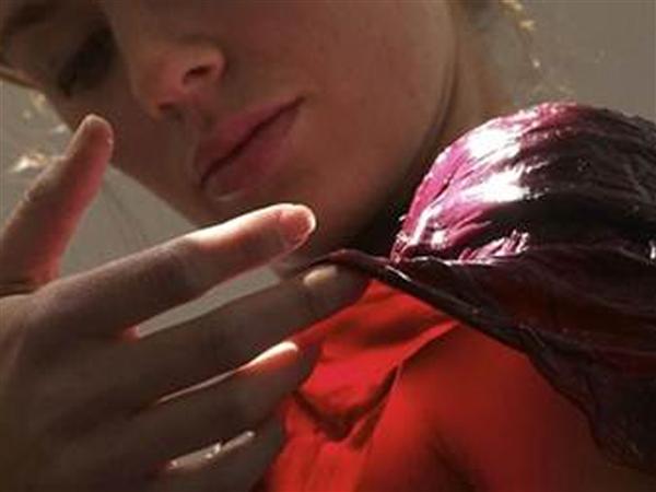фото девушек нюхающих свои трусы-йп1
